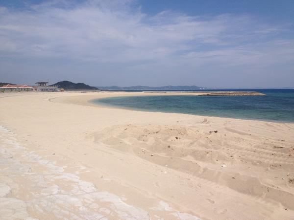 沖縄南部でも透明度が高いビーチあざまサンサンビーチ本日海開き!