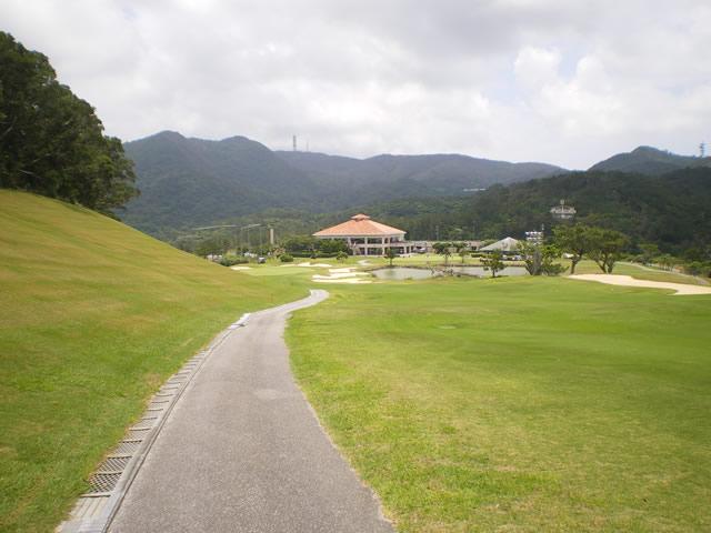 沖縄に来て初めてイーグルを決めました!5月17日ベルビーチ!